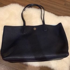 👜 Tory Burch Perry Pebbled Leather Tote Navy